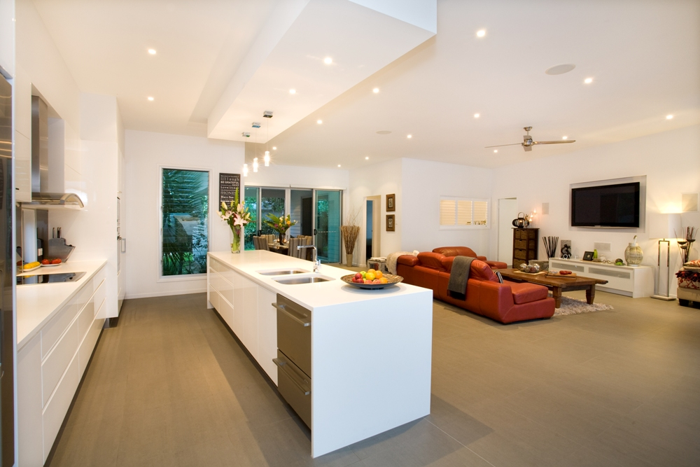 High Set Contemporary Style Brentwood Building